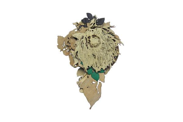 Dulcis memoria, brooch, silver, paint, textile, oak veneer. 100 x 85 x 22 mm.